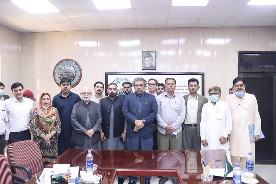 Federal Minister for Maritime Affairs Ali Zaidi visited Karachi Fish Harbor, inspected Marine Fisheries Department